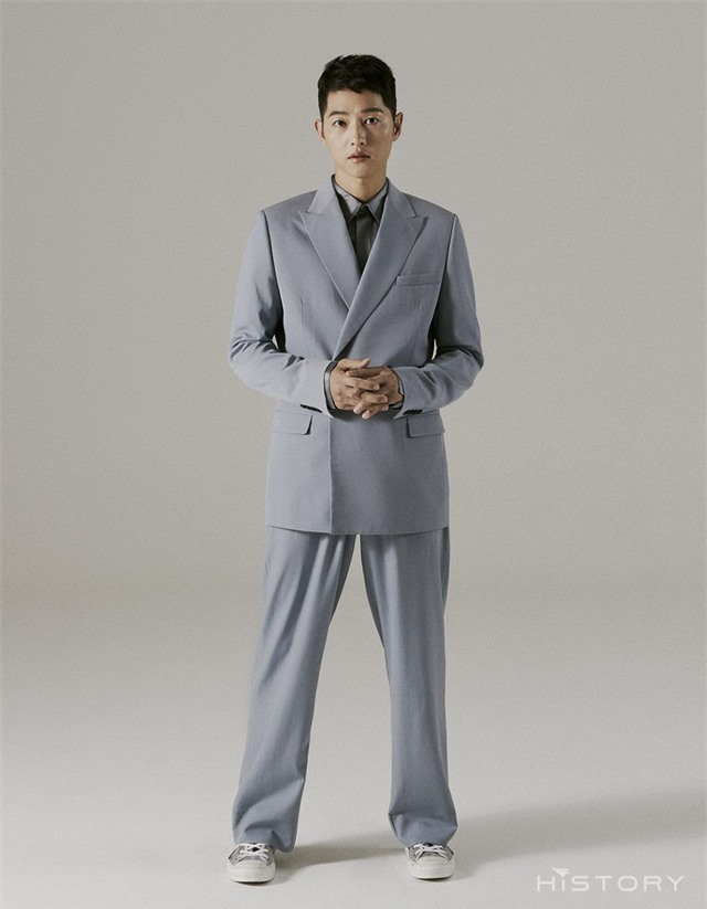 Song Joong Ki tung bộ ảnh mới, hé lộ cuộc sống đời tư - Ảnh 6.