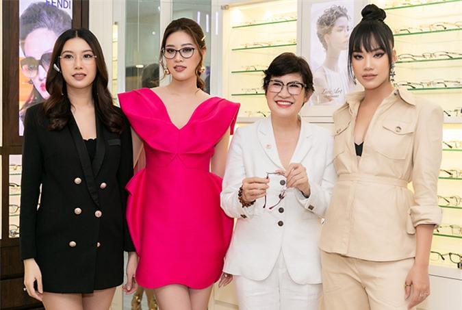 Top 3 Hoa hậu Hoàn vũ Việt Nam 2019 cùng khoe sắc. Từ ngày đăng quang, cả ba thỉnh thoảng đi sự kiện chung.