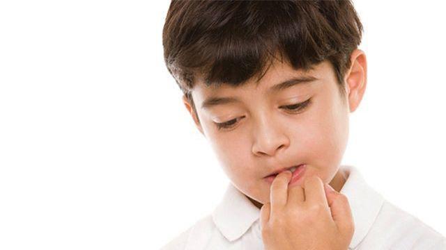 Trẻ thường xuyên cắn móng tay dễ nhận 3 hậu quả này, cha mẹ cần loại bỏ ngay - Ảnh 1.