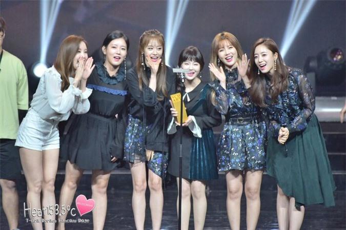 6 idol Kpop 'xém' bị hủy hoại vì scandal giả: Jennie, Kim Woo Seok chưa là gì so với T-ARA! - Ảnh 1