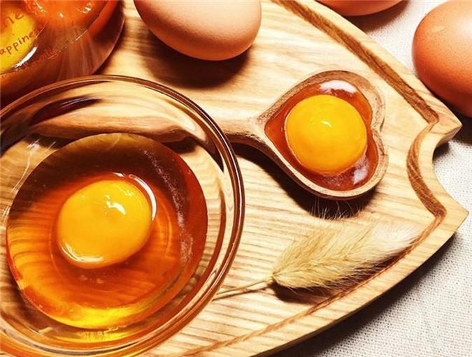 Trứng xếp đầu danh sách những thực phẩm không nên ăn sống