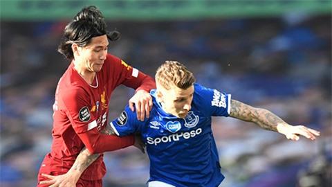 Carragher mượn chuyện Minamino để chọc Liverpool vụ Werner