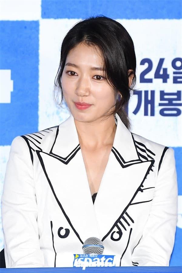 Park Shin Hye công khai thân mật với Yoo Ah In, ánh mắt đằng gái nhìn đằng trai quá tình khiến dân mạng phát sốt 3