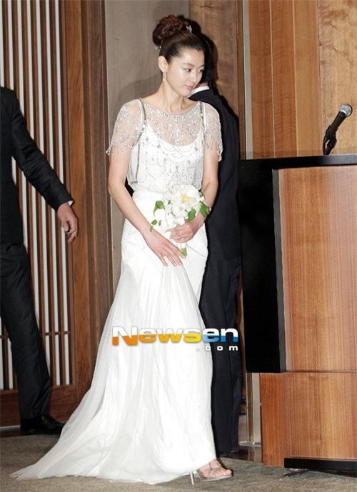 Vì sao dư luận vẫn sôi sục vì Hyun Bin và Song Hye Kyo? - Ảnh 5