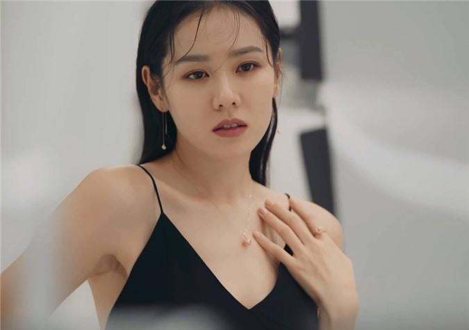 Vì sao dư luận vẫn sôi sục vì Hyun Bin và Song Hye Kyo? - Ảnh 8