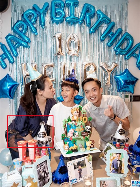 Đàm Thu Trang bị soi chuyện bầu bí hôm 19/6, trong tiệc sinh nhật của Subeo.