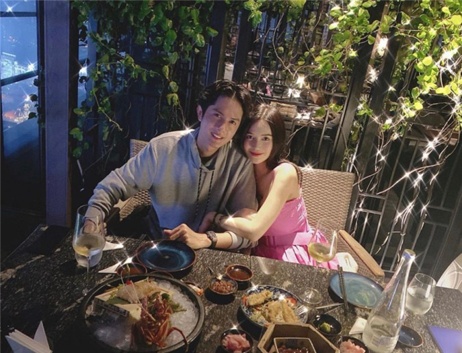 Fans nhận xét Sĩ Thanh và Huỳnh Phương rất có tướng phu thê, nhắc khéo cặp đôi sớm báo tin hỷ.