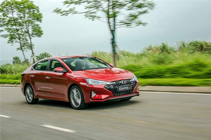 Hyundai Elantra Sport 1.6 T-GDI.