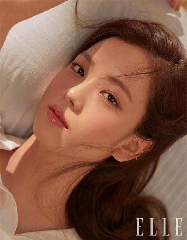 Jisoo (BLACKPINK) khoe vẻ đẹp trong trẻo trước thềm tái xuất - Ảnh 2.