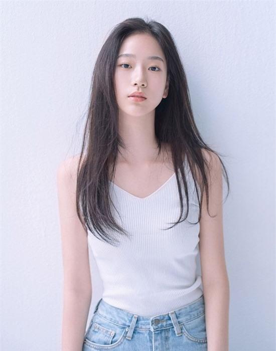 Nữ diễn viên 10x có nhan sắc kết hợp giữa Yoona - Krystal - Ảnh 1