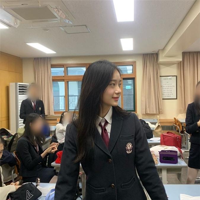 Nữ diễn viên 10x có nhan sắc kết hợp giữa Yoona - Krystal - Ảnh 10