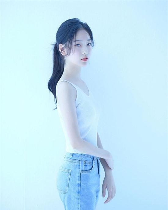 Nữ diễn viên 10x có nhan sắc kết hợp giữa Yoona - Krystal - Ảnh 4