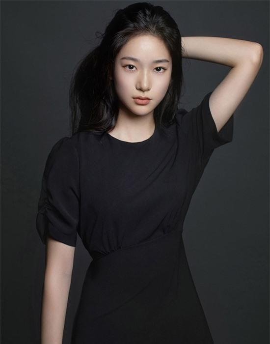 Nữ diễn viên 10x có nhan sắc kết hợp giữa Yoona - Krystal - Ảnh 5