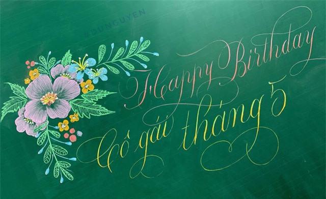 Thầy giáo 9X vẽ hoa phượng trên bảng phấn gây sốt cộng đồng mạng - Ảnh 13.