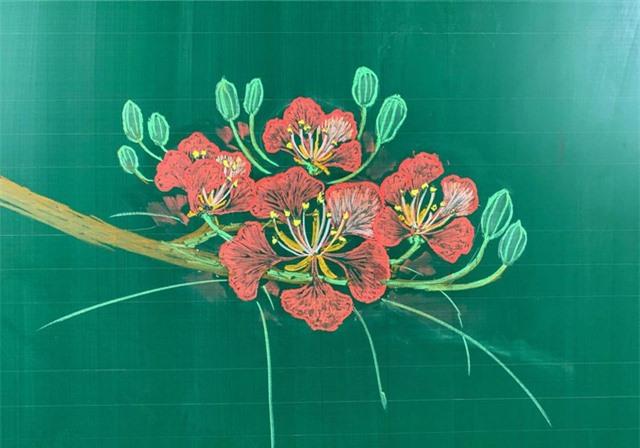 Thầy giáo 9X vẽ hoa phượng trên bảng phấn gây sốt cộng đồng mạng - Ảnh 5.