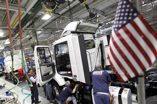 Sự gia tăng trở lại của số ca nhiễm COVID-19 ở nhiều bang đe dọa tiến trình phục hồi của kinh tế Mỹ. (Ảnh: Cleveland.com)