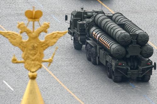 Truyền thông Trung Quốc tiếp tục chỉ trích nặng nề vũ khí Nga. Ảnh: TASS.