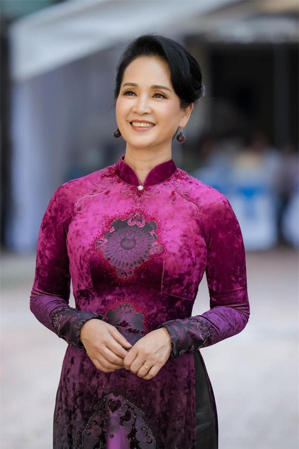 Đời tư trái ngược của 2 nữ NSND tài sắc cùng tên Lan Hương - Ảnh 6.
