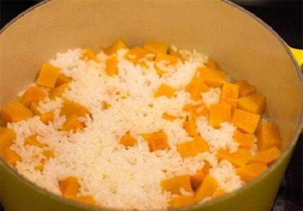 Cơm không thể nhịn nhưng cân vẫn muốn giảm, hãy cho thêm 1 nắm thực phẩm này khi nấu - Ảnh 2.