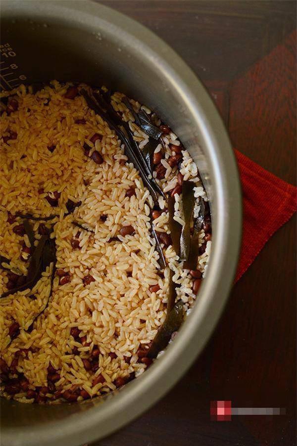 Cơm không thể nhịn nhưng cân vẫn muốn giảm, hãy cho thêm 1 nắm thực phẩm này khi nấu - Ảnh 4.