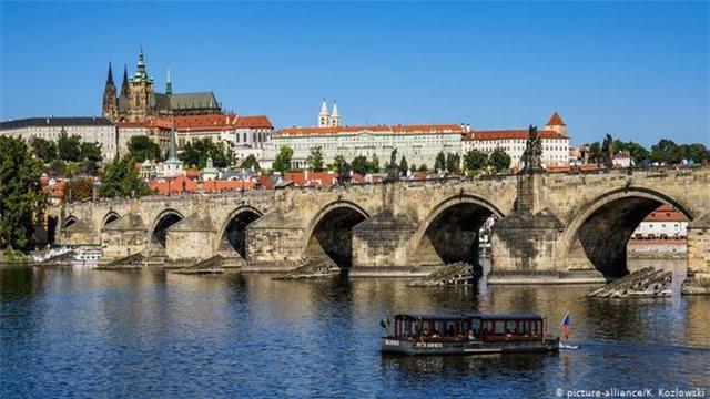Những cây cầu đẹp nhất Châu Âu - 5