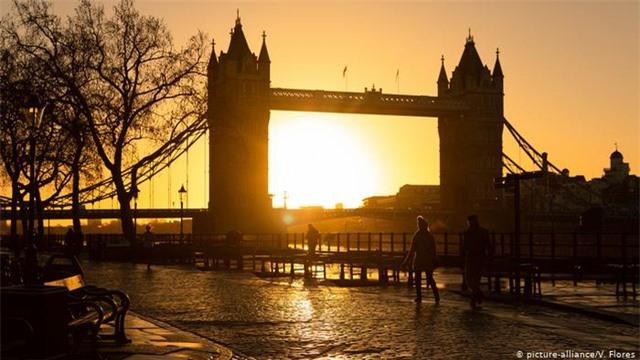 Những cây cầu đẹp nhất Châu Âu - 8