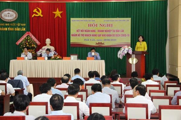 Ngày 29/6/2020, Ngân hàng Nhà nước Việt Nam (NHNN) phối hợp với UBND tỉnh Đắk Lắk tổ chức Hội nghị kết nối Ngân hàng – Doanh nghiệp nhằm hỗ trợ khách hàng gặp khó khăn do dịch Covid-19 trên địa bàn.