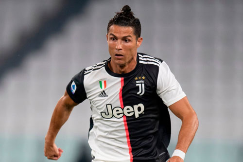 =9. Cristiano Ronaldo (Real Madrid sang Juventus năm 2018, 100 triệu euro).