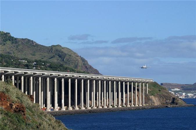Các sân bay đáng sợ nhất để hạ cánh trên khắp thế giới-5