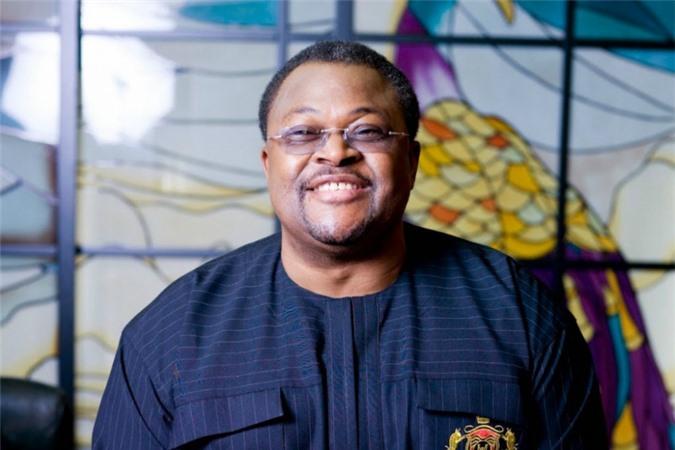 Chủ tịch của Tập đoàn Viễn thông Globacom - nhà mạng lớn thứ 2 Nigeria, Mike Adenuga