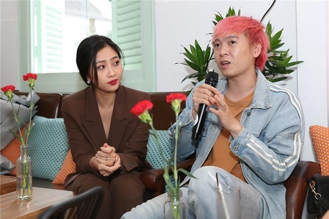 Nhạc sĩ Phạm Toàn Thắng (phải).