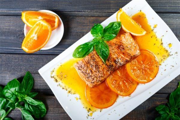 Cách làm cá hồi sốt cam ngon