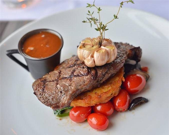 Chọn thịt bò ngon làm bít tết