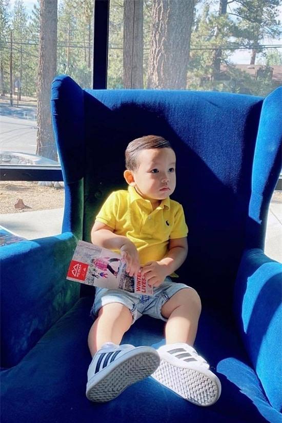 Maximus chào đời vào cuối năm 2018, là con trai đầu lòng của Phạm Hương. Đến dịp sinh nhật tròn một tuổi, Hoa hậu Hoàn vũ Việt Nam 2015 mới công khai thông tin con trai.
