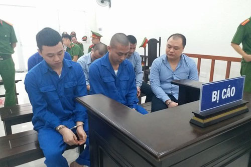 Hà Nội: Người đàn ông bị đánh chết giữa phố sau cuộc kiếm tìm xe cài định vị