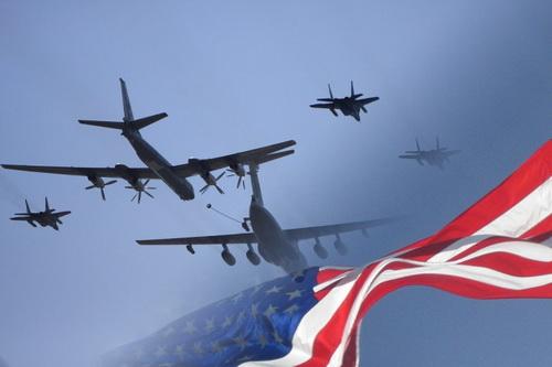 Máy bay ném bom chiến lược Nga áp sát không phận Mỹ ngay trước lễ quốc khánh. Ảnh: TASS.