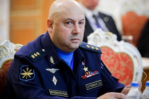 Tư lệnh Lực lượng Hàng không - Vũ trụ Quân đội Nga, Tướng Sergei Surovikin. Ảnh: TASS.