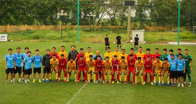 HLV Park Hang-seo: Cầu thủ cần phải thể hiện tốt khả năng chơi bóng ở vị trí của mình - Ảnh 1.