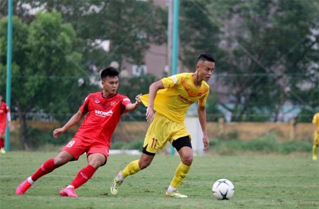 HLV Park Hang-seo: Cầu thủ cần phải thể hiện tốt khả năng chơi bóng ở vị trí của mình - Ảnh 4.
