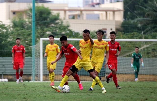 HLV Park Hang-seo: Cầu thủ cần phải thể hiện tốt khả năng chơi bóng ở vị trí của mình - Ảnh 6.