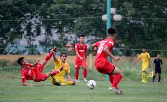 HLV Park Hang-seo: Cầu thủ cần phải thể hiện tốt khả năng chơi bóng ở vị trí của mình - Ảnh 7.