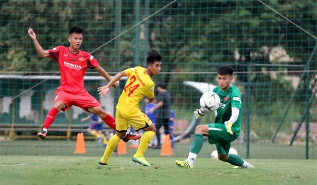 HLV Park Hang-seo: Cầu thủ cần phải thể hiện tốt khả năng chơi bóng ở vị trí của mình - Ảnh 10.