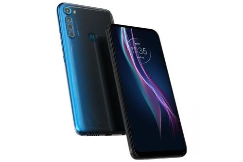 Motorola One Fusion Plus sử dụng vỏ ngoài bằng nhựa giả kính. Máy có kích thước 162,9x76,4x9,6 mm, cân nặng 210 g.