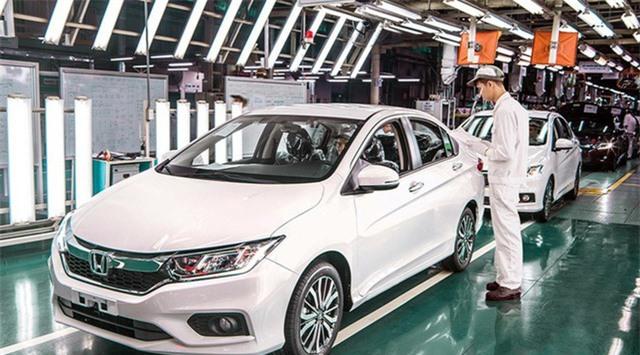Doanh số bán xe mới của Việt Nam năm 2020 có thể giảm trên 20% - Ảnh 1.
