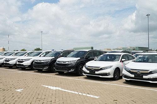 Nhập khẩu ô tô nguyên chiếc 6 tháng đầu năm giảm 32.000 chiếc.