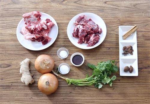 Nguyên liệu làm phở thịt bò