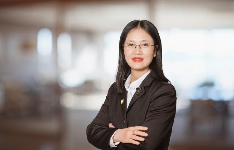 Bà Đỗ Thu Hằng – Giám đốc bộ phận nghiên cứu.