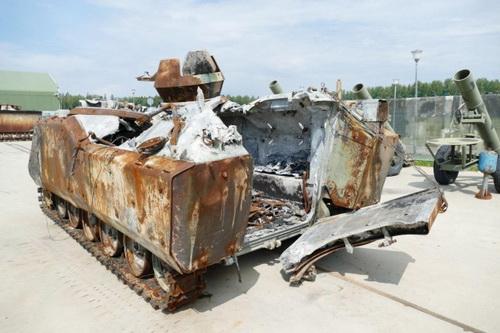 Xe bọc thép chở quân ACV-15 của Thổ Nhĩ Kỳ bị phá hủy bởi tên lửa Nga. Ảnh: Al Masdar News.