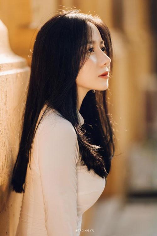 """Chiêm ngưỡng nhan sắc cực phẩm của nữ sinh sở hữu """"góc nghiêng thần thánh"""", """"hót"""" nhất nhì mạng xã hội Việt"""