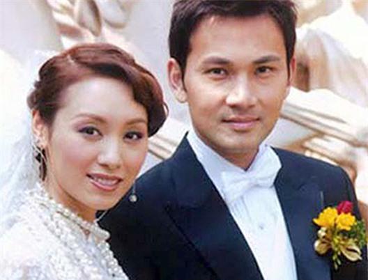 Lâm Văn Long và Quách Khả Doanh khi cưới.